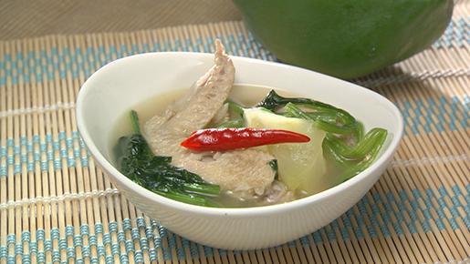 ティノラスープ(フィリピンのチキンスープ)